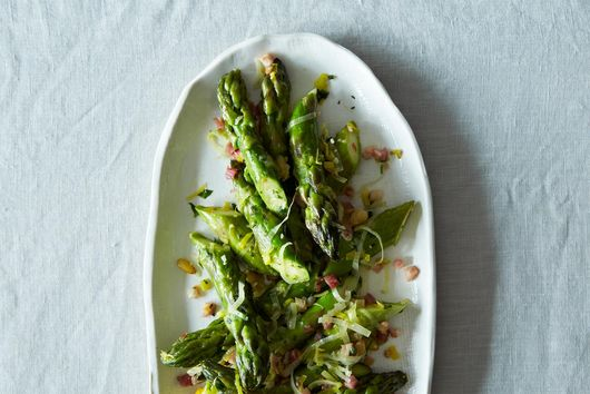 12,525 Reasons to Try This Absurdly Addictive Asparagus