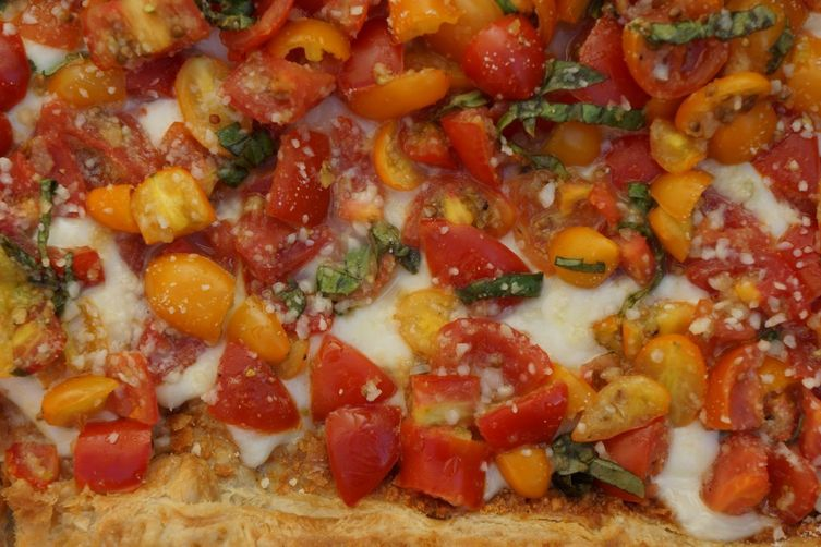 Mozzarella Tart with Fresh Tomatoes & Roasted Garlic
