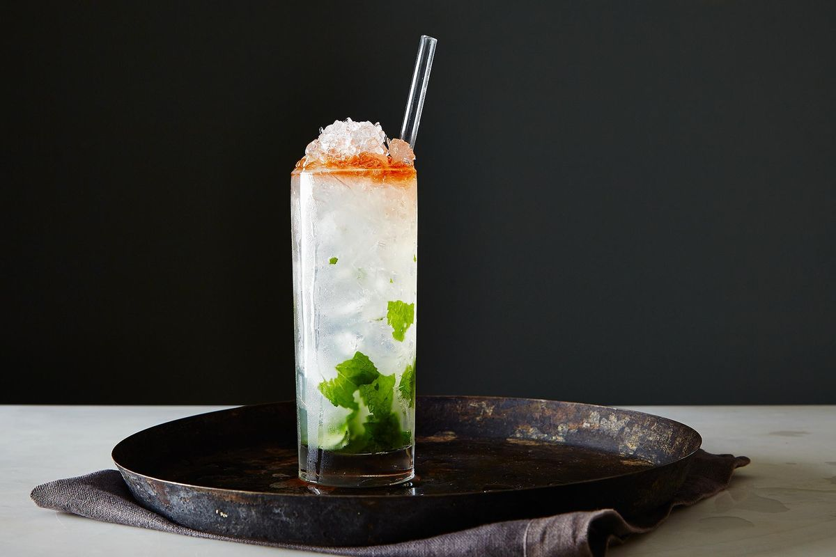How To Make A Swizzle Cocktail