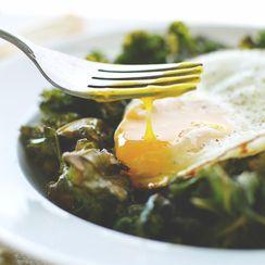 {Sunny Side Up} Sea Salt + Vinegar Kale Chips