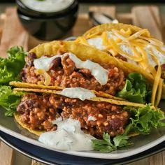 Green chilli con carne tacos