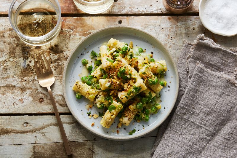 Andy Bennett's Creamy Cauliflower Pasta Carbonara