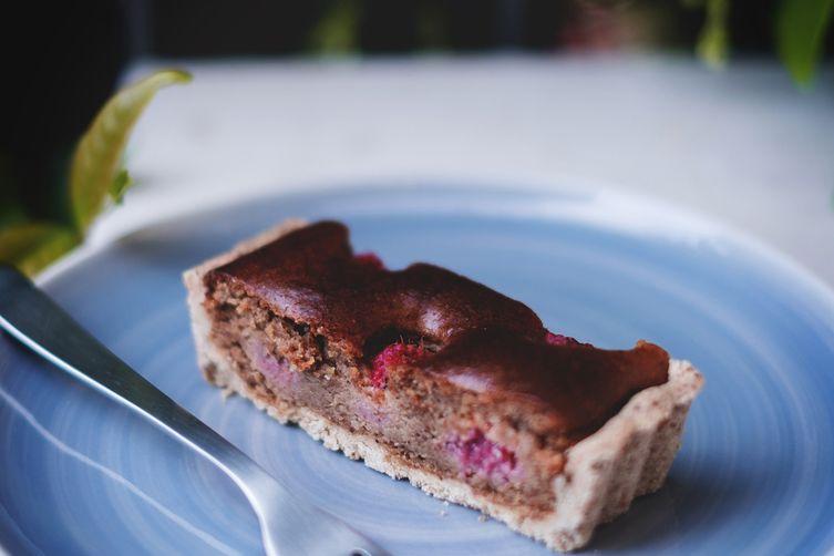 Raspberries lemony frangipane tart