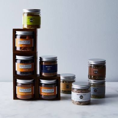 Holiday Spices With Modular Magnetic Spice Rack