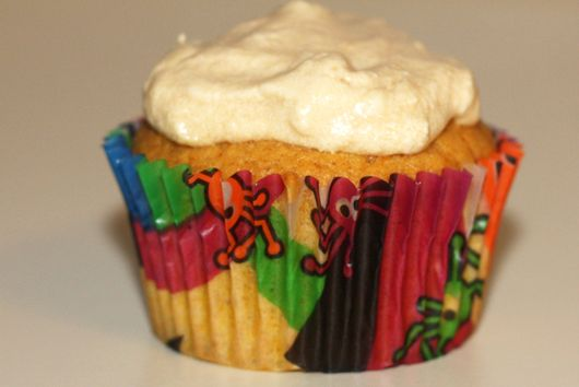 Pumpkin Pie Cupcakes with Caramel Frosting