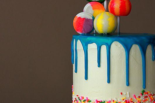 Birthday lollipop cake