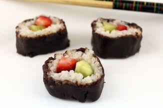 0c0f1c78 a523 4837 af20 fe4a26a62c93  christmas dessert sushi cake batter and bowl blog kerstin sinkevicius