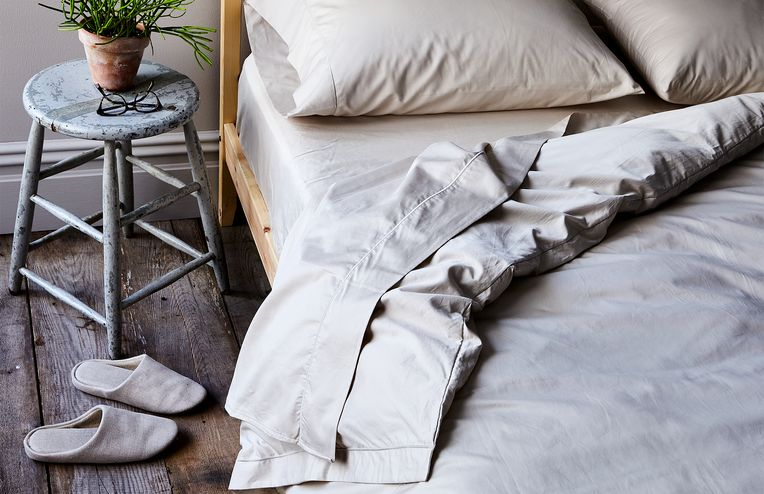 A 'Why Didn't I Think of That?' Way to Put on a Duvet Cover