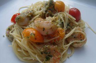 64cb00c1 ff24 4a62 91a4 b815d101f20b  pesto shrimp pasta