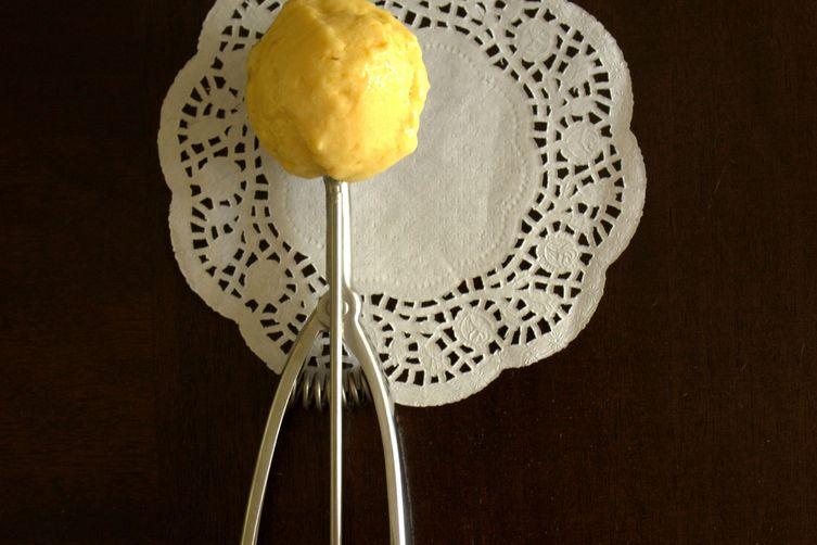 3-ingredient mango frozen yogurt