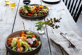 3426af45 1865 4c26 8dd9 1d22bd2111a0  12145363 dc98 47e7 9638 791aa81ee791 2015 0804 yum yai thai salad with chile jam dressing bobbi lin 5950