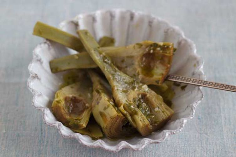 Artichokes With Parsley, Garlic and Mint (carciofi alla romana) - Lazio, Contorn