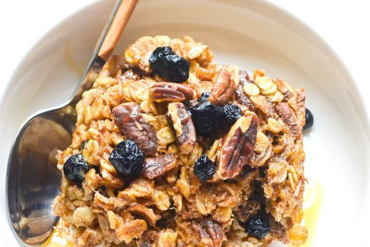 Blueberry Pecan Baked Oatmeal