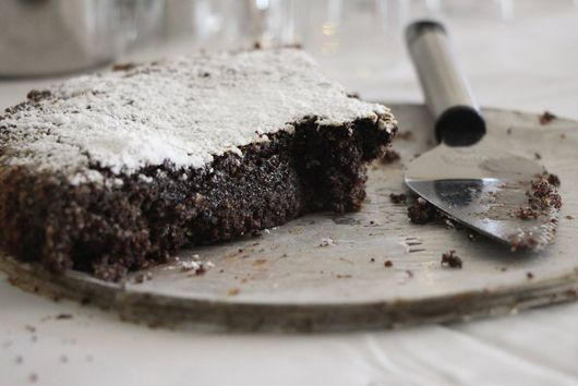 POPPYCOHOLIC POPPY SEED CAKE