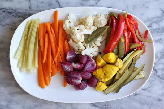 Giardiniera (Italian Pickled Vegetables)