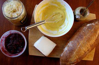 1e2b1c4a b4da 40ad bfec ad5e09bcaeae  cranberry mustard aioli