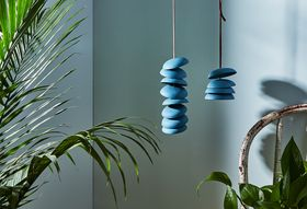 4a748d76 4ce3 44b5 b242 f003dcf75f08  2017 0105 pigeon toe exclusive blue wind chimes email james ransom 163