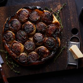 An Unexpected, Ultra-Caramelized Take on Tarte Tatin