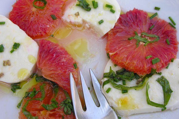 Winter Insalata with Ovoline Mozzarella and Citrus