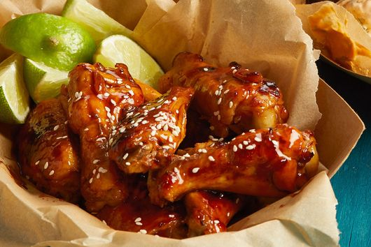 Slow-Cooker Hoisin-Glazed Chicken Wings