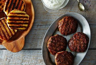 12 Safe Ways to Make Juicy Burgers