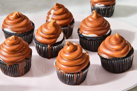 Peppermint Hi-Hat Cupcakes