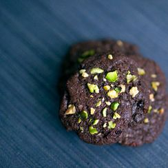 cardamom pistachio nib cookie