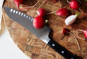 57b1fa8a f0b1 4e75 a71e 27959de499b8  2016 0608 zwilling pro knives 7 inch rocking santoku knife carousel bobbi lin 24647