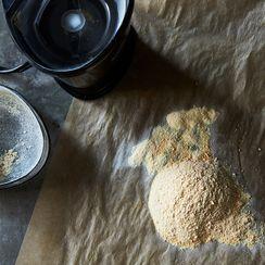 How to Make Garlic Powder That Actually Tastes Like Garlic