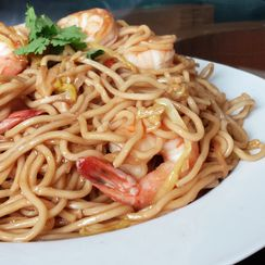 Chinese Braised Shrimp E-Fu Noodles (伊麵 - Yee Mein)