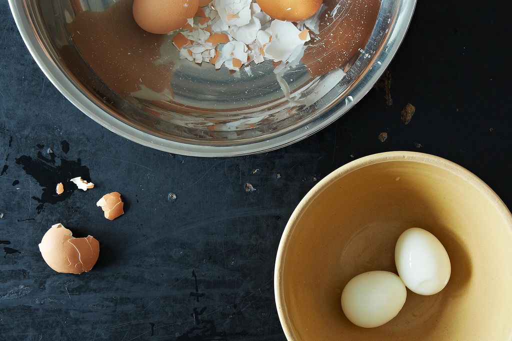 The Best Way to Peel Hard Boiled Eggs