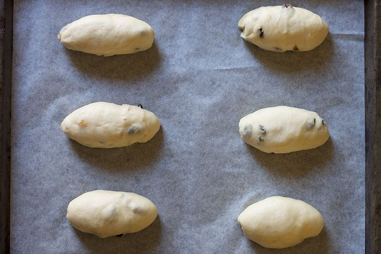 How to make italian sweet buns maritozzi there are various little tweaks and changes to this recipe depending on where you look many italian recipes specify baking them for a very short period6 forumfinder Images