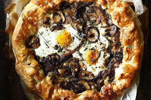 Cheesy Mushroom Tart with Eggs