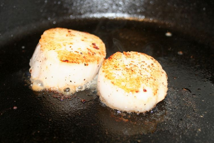 Sambuca seared scallops with shiitake truffle cream recipe on food52 sambuca seared scallops with shiitake truffle cream forumfinder Images