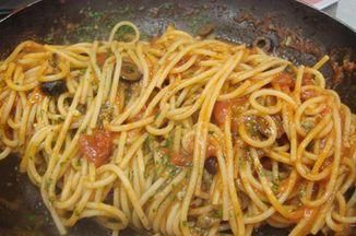 137a9ace cda1 4d20 a6c3 74b675245ba4  spaghetti putanesca