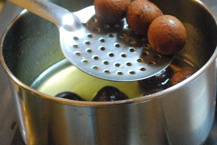 Gulab Jamun with Milk powder (Indian Pudding)