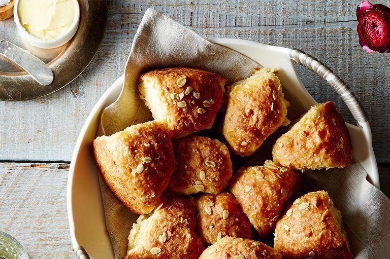13 mejores recetas de pan de Acción de Gracias, desde pan de maíz hasta panecillos