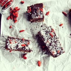 Crispy peanut, chocolate, caramel and coconut bar