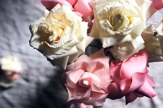 A Quick $0 Trick to Make Supermarket Flowers Look Way Fancier